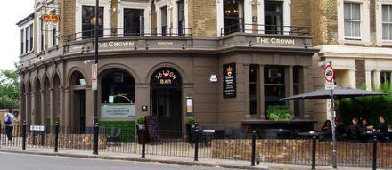 The Crown pub, Victoria Park, as photographed by EwanM
