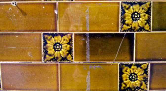 Crown Hotel, Salford: tile details.