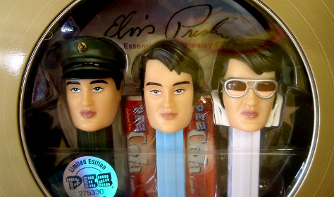 Adapted from Elvis Pez by Joel Kramer, from Flickr under Creative Commons.