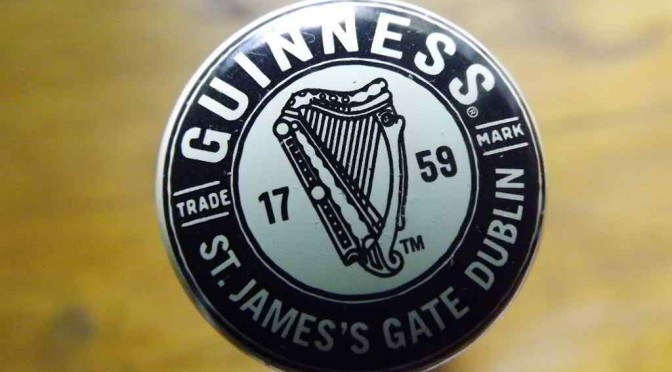 Guinness vintage-style cap.