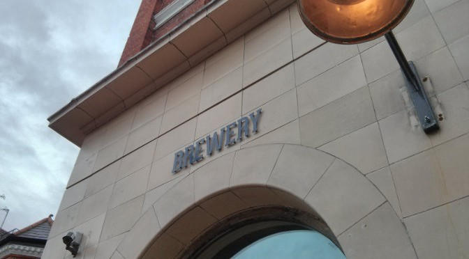 Four Thieves, Battersea: 'Brewery' sign over door.