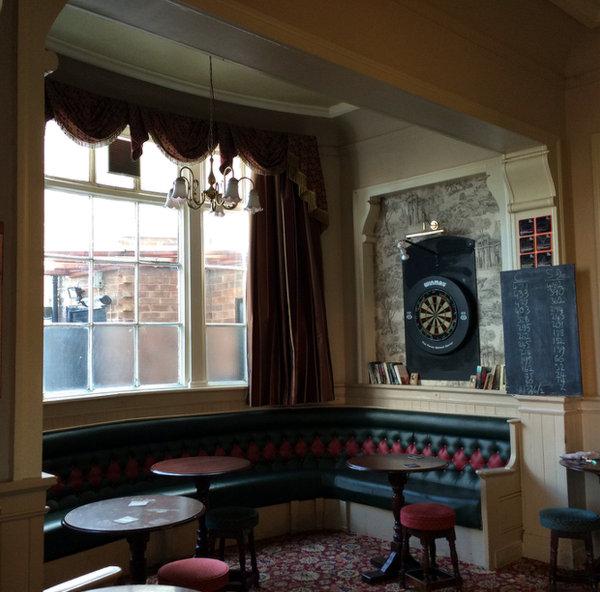 Lounge bar: carpets, leather banquettes.