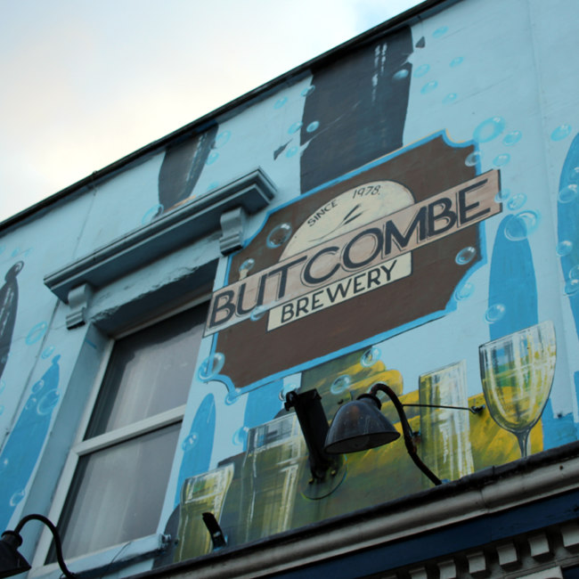 """BUTCOMBE BREWERY""."