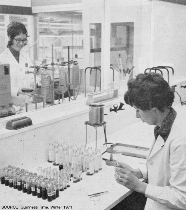 Women working in a laboratory.