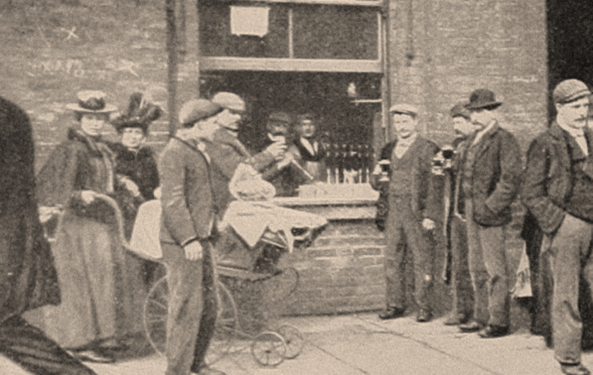 A pub in Whitechapel c.1902.