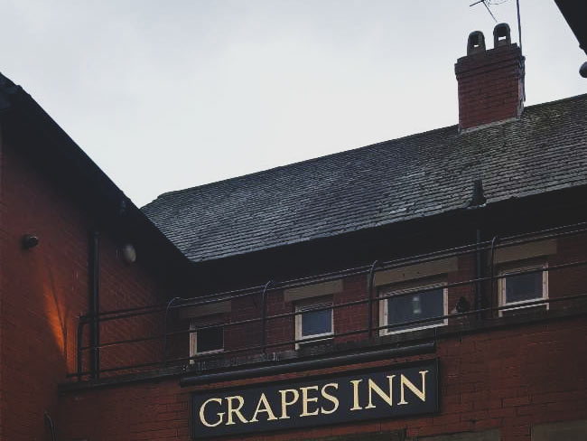 The Grapes, Heywood